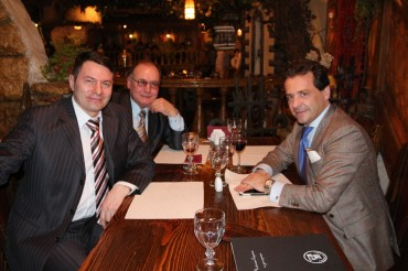 Marco Russo, presidente Yuma Finance AG con i collaboratori di Sberbanka russa