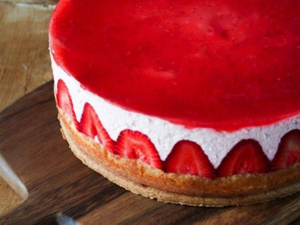 Estremamente La torta alle fragole per la Festa della Mamma - 1channel Con  EG91