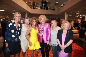 Marinella Di Capua con le amiche