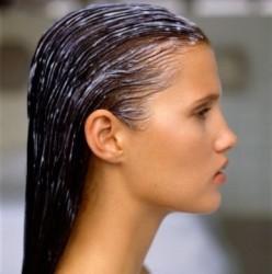 capelli-forfora-impacchi-olio-ricino