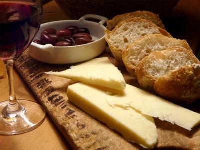 degustazione-formaggio-pane-vino-2