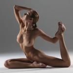 posizioni-yoga-istruttrice-nuda1